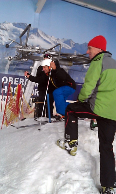 Graham Bell from BBC's Ski Sunday opening the race and getting psyched!