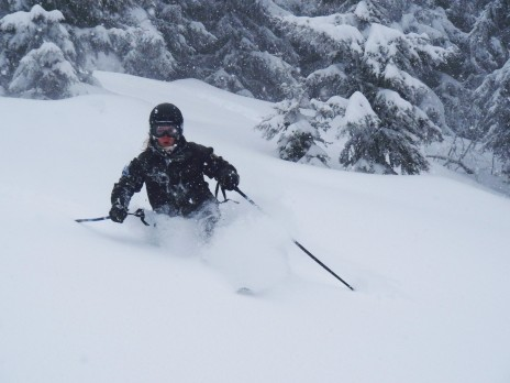 Photo of Jasmin Taylor telemark skiing